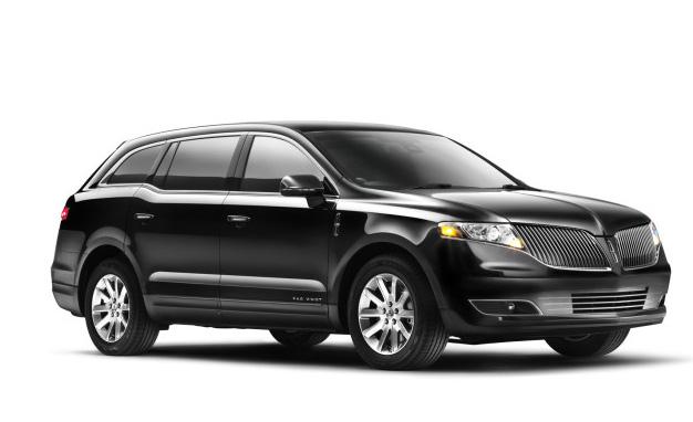 Book a Luxury Town Car Sedan