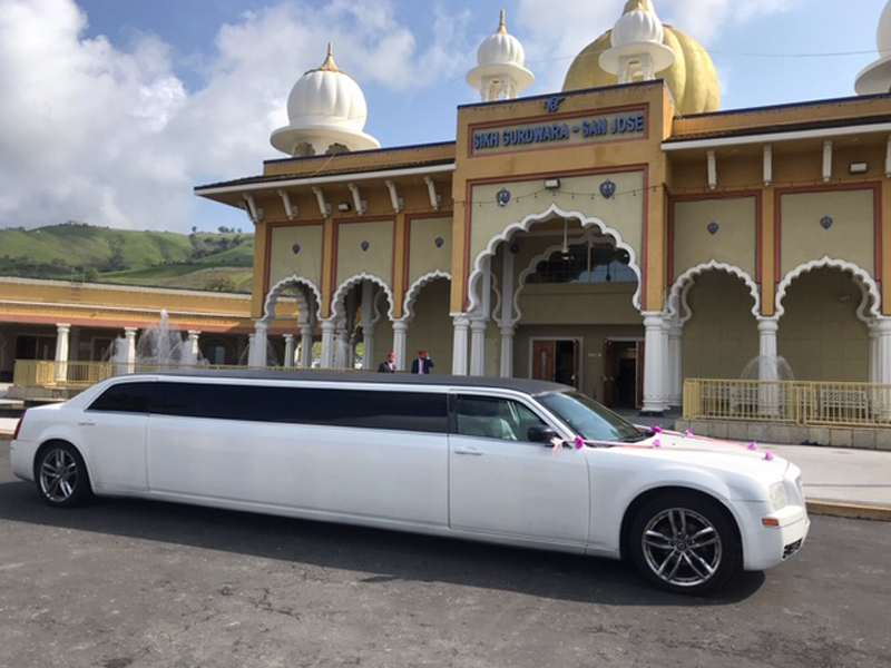 Make your Wedding Day More Memorable by Hiring a Luxury Limousine